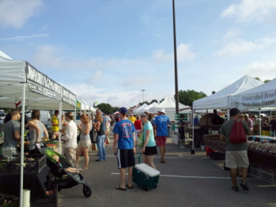 Cedar Park Farmers Market just north of Austin, Texas. Lots of great vendors and visitors at 9 a.m. when it opened.
